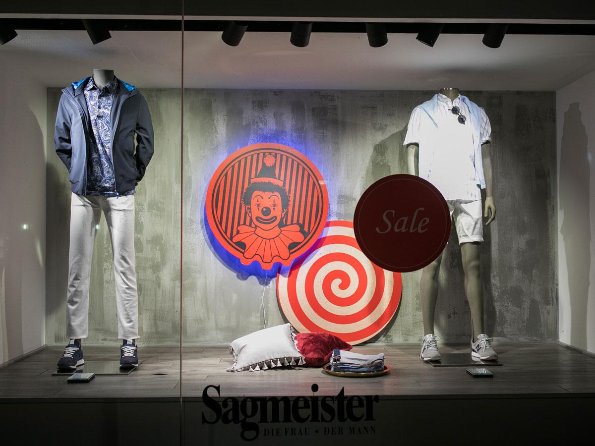 Rigoletto Bregenzer Festspiele 2019 Schaufenster Gestaltung und Dekoration für Sagmeister der Mann in Bregenz.