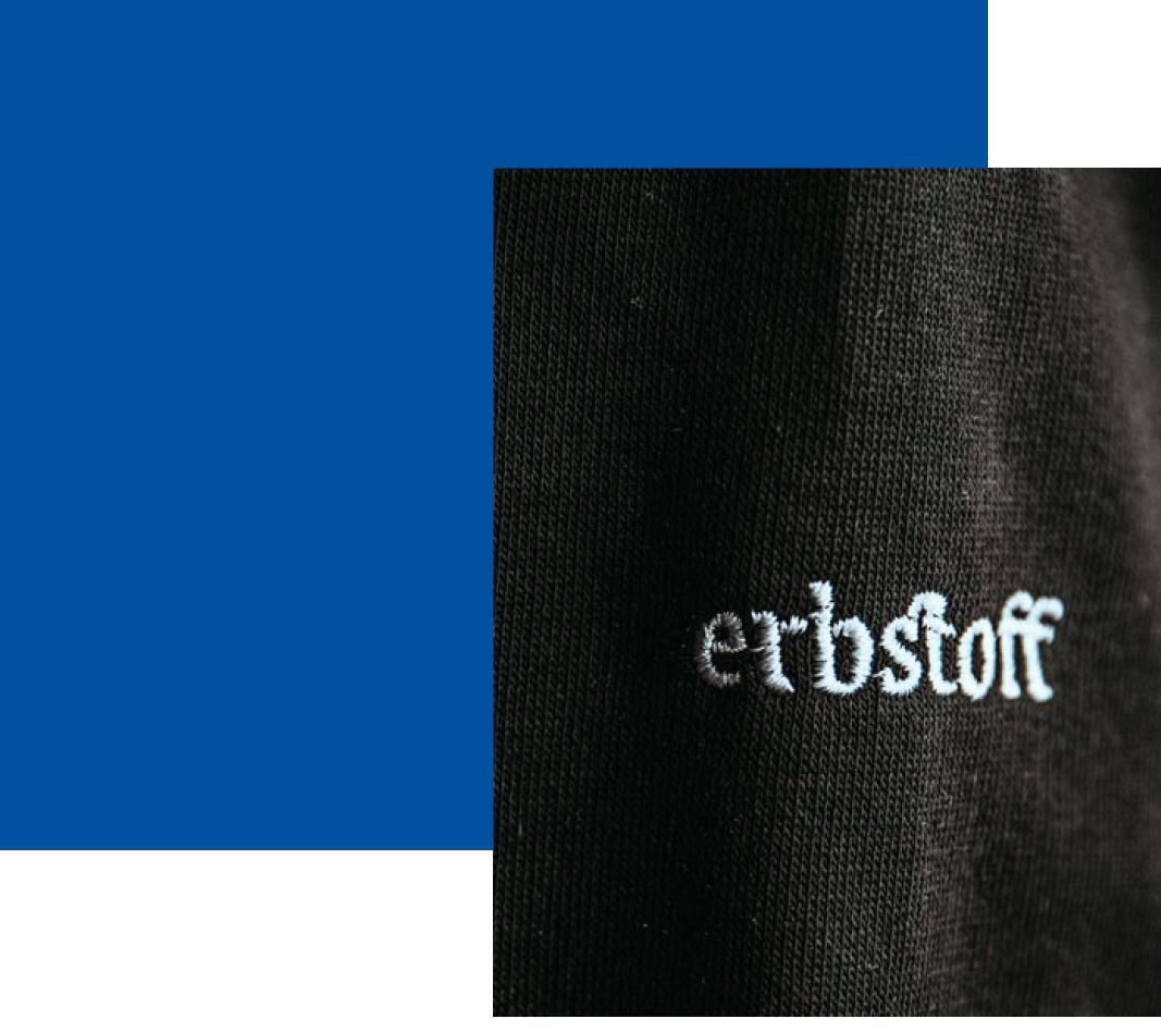 Erbstoff Logo gestickt. Grafikdesign von Simone Angerer. Foto von Pia Pia Pia Berchtold.